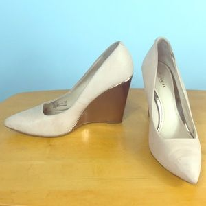 Coach 🌸 Orchard Pale Pink Leather Wedge Pumps 7.5